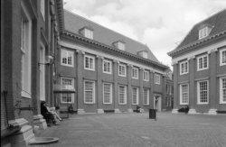 Kalverstraat 92, binnenplaats Amsterdams Historisch Museum (voormalig Burgerwees…