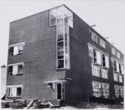 Links Buiten Dommersstraat 2-8 en rechts de achterzijde van de Nieuwe Houttuinen…