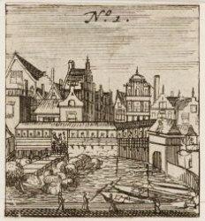 De Vismarkt op de Dam gezien uit westelijke richting met rechts de Damsluis. Tec…