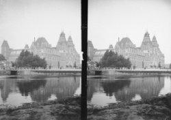 Het Rijksmuseum, Stadhouderskade 42, gezien over de Singelgracht vanaf de Weteri…