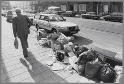 Niet opgehaald huisvuil in de Witte de Withstraat