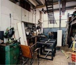 Asterdwarsweg10 met het atelier van de beeldhouwer en kunstenaar André Volten