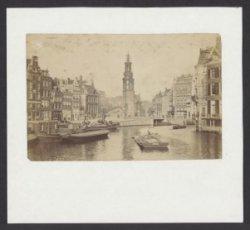 Amstel gezien van Halvemaansbrug naar Muntplein met Munttoren