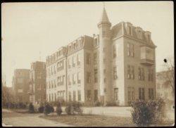 De Vrouwenkliniek van het Wilhelminagasthuis, Eerste Helmersstraat 104