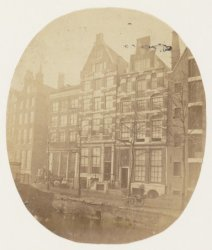 Voorburgwal, Nieuwezijds 220-228 (v.r.n.l.)