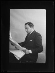 Portret van de directeur van het persbureau Vaz Dias, Mozes Salomon Vaz Dias