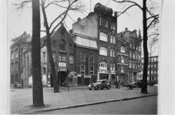 Elandsgracht 105 - 113, links Derde Looiersdwarsstraat 2 (ged.)
