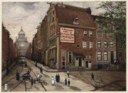 Utrechtsestraat gezien vanaf Brug 37 naar het Paleis van de Volksvlijt. Rechts K…