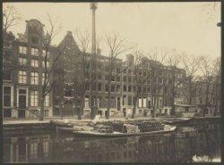 Keizersgracht 613 (ged.)-635 (v.l.n.r.). Nummers 617-629 in 1922 afgebroken voor…