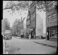 Lindengracht 243, 241, 239 enz. (v.l.n.r.)