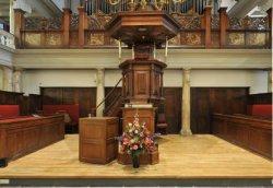 Interieur Oude Lutherse Kerk, Singel 411. Kansel