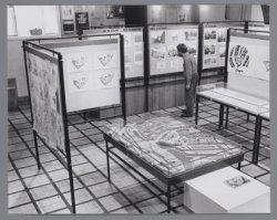 Oudezijds Voorburgwal 231, interieur Agnietenkapel. Expositie plannen terrein Bi…