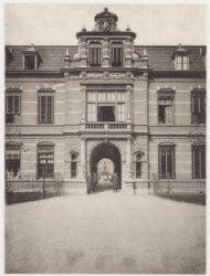 Wilhelmina Gasthuis hoofdingang, Eerste Helmersstraat 104