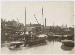 Uilenburgergracht naar Houtkopersburgwal gezien