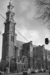 Prinsengracht 279 - 281, Westerkerk met Westertoren, rechts de Westermarkt