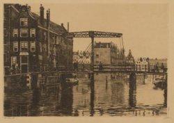 Afbeelding van de Peperbrug over de Rapenburgwal, met gezicht op het Nieuwe Grac…