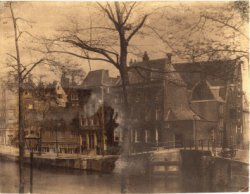 Herengracht 369 (ged.) - 395; herbouwd in 1882 (v.l.n.r.)