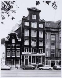 Voorburgwal, Nieuwezijds  3-5-7 (ged.) (v.l.n.r.)