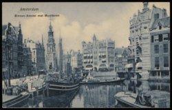 Scheepvaartaktiviteiten op de Binnen Amstel met v.l.n.r. de Amstel