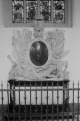 Dam 12, Nieuwe Kerk, interieur, detail van het grafmonument van Jan van Galen