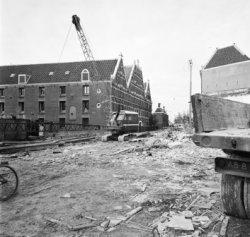 Nieuwe Amstelstraat 2 - 8 v.r.n.l., achtergevels van het Arsenaal (Waterlooplein…