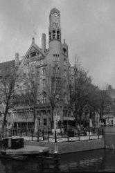Leidsekade 97, midden Leidseplein 28, American Hotel, gezien over het water van …