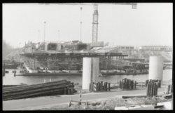 De Rozenoordbrug (brug nr 174P) in aanbouw over de Amstel, een verbinding tussen…
