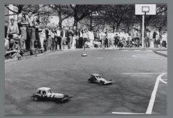 Mini-stockcar races op het Museumplein ter gelegenheid van Koninginnedag