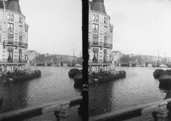 De Binnen Amstel gezien in oostelijke richting naar de Halvemaansbrug