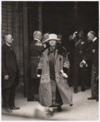 Bezoek koningin Wilhelmina ter gelegenheid van herdenking  250ste sterfdag Admir…