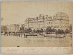 Het Amstel Hotel, Prof. Tulpplein 1, gezien vanaf de Amstel vóór de ophoging van…