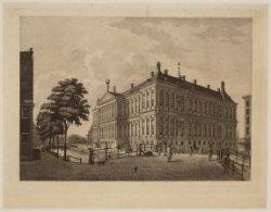 Het Koninklijk Paleis te Amsterdam, aan de zijde van den Voorburgwal te zien