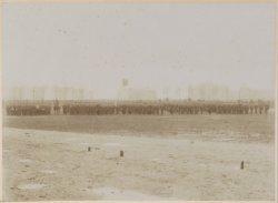 Groepsportret van het vierde bataljon van het Zesde Regiment Infanterie te Amste…