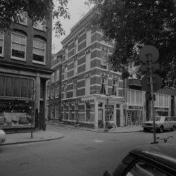 Elandsgracht 89 (ged.) - 95, en Tweede Looiersdwarsstraat 2 - 4 (ged.) v.r.n.l