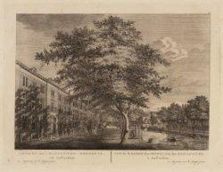 Gezicht van 't Mennoniten-Weeshuys, tot Amsterdam