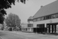 Avenhornstraat 18, poortwoningen aan de Purmerweg, links Beemsterstraat 33 en ui…