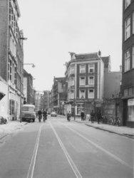 Sint Antoniesbreestraat 62 (ged.)-102 (rechts, vrnl.)