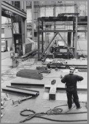 Vervako Shipyards, tt. Neveritaweg 15, zit in de lift