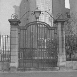 Singel 411, het toegangshek van de Oude Lutherse Kerk