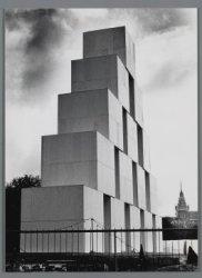 De Blokkentoren van beeldend kunstenaar en theatermaker Frans Malschaert op het …