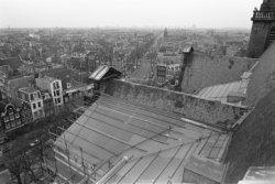 Prinsengracht 279, Westerkerk, details van het dak en vergezicht over Amsterdam …