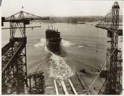 Tewaterlating van het vrachtpassagiersschip ms. Tarn