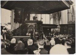 Herdenking van het overlijden van Van Speijk in de Nieuwe Kerk