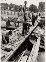 Het bouwen van een steiger in de Houthaven voor de derde pontverbinding tussen T…