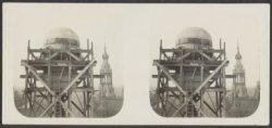 Restauratie aan het beeld Atlas die de wereldbol torst