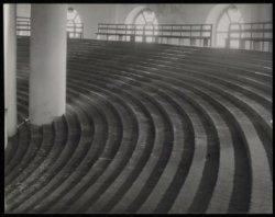 Singel 11, Ronde Lutherse Kerk, interieur met balkon