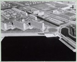 Luchtfoto van Slotermeer en de Sloterplas, gezien naar het noordoosten