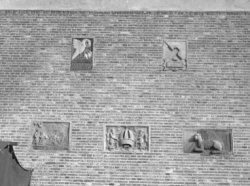Sint Olofssteeg 5 (later hernummerd naar 11-23), zijgevel aan de Oudezijds Voorb…