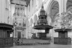 Dam 12, Nieuwe Kerk, interieur gezien naar preekstoel en orgel