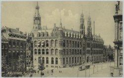 Het Hoofdpostkantoor, Nieuwezijds Voorburgwal 182, met links de ingang van de Ra…